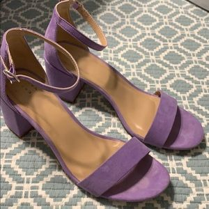 """2"""" Lilac heels size 7 1/2"""